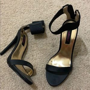 Black heels size 5.5